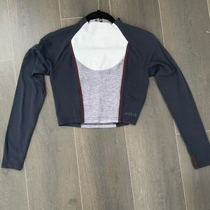 Jaggad long sleeve crop with zip up neck